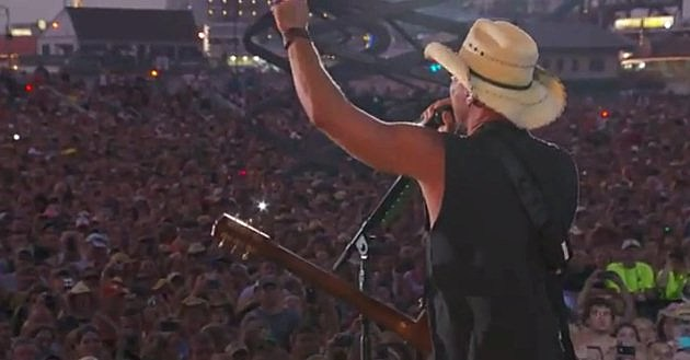 Kenny Chesney in Wildwood